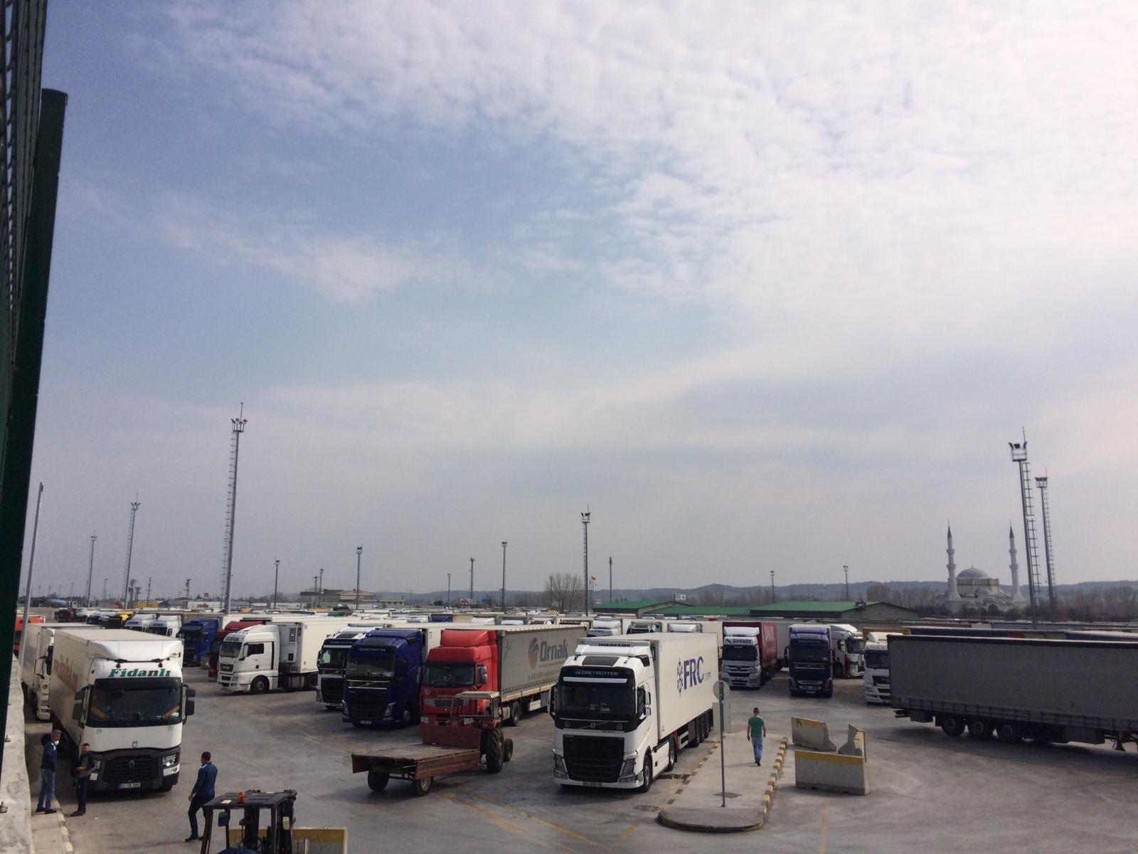UND'den COVİD-19 Testleri Önce Yurt Dışından Gelen ve Ticareti Taşıyan TIR Sürücülerine Yapılsın Talebi