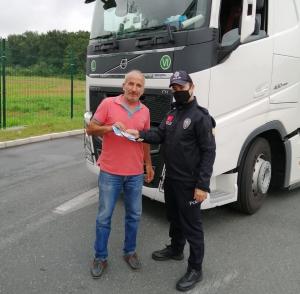 Türk Polisi, Ülkemiz TIR Sürücülerinin Sırbistan'da 7/24 Yanında Göreve Devam Ediyor