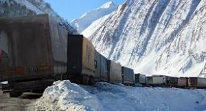 Gürcistan - Rusya Sınır Kapısında Yoğun Kar Yağışı!