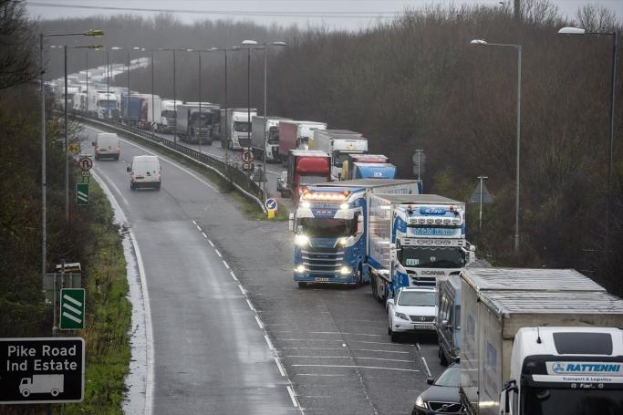 İngiltere Sınırında Mahsur Kalan Türk Şoförü İngiliz Basınının Dikkatini Çekti