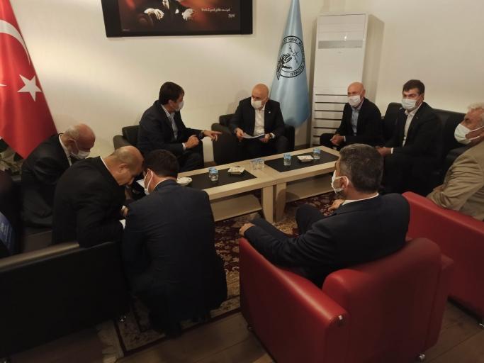 Bakan Karaismailoğlu Mardin'de UND Temsilcileri İle Bir Araya Geldi