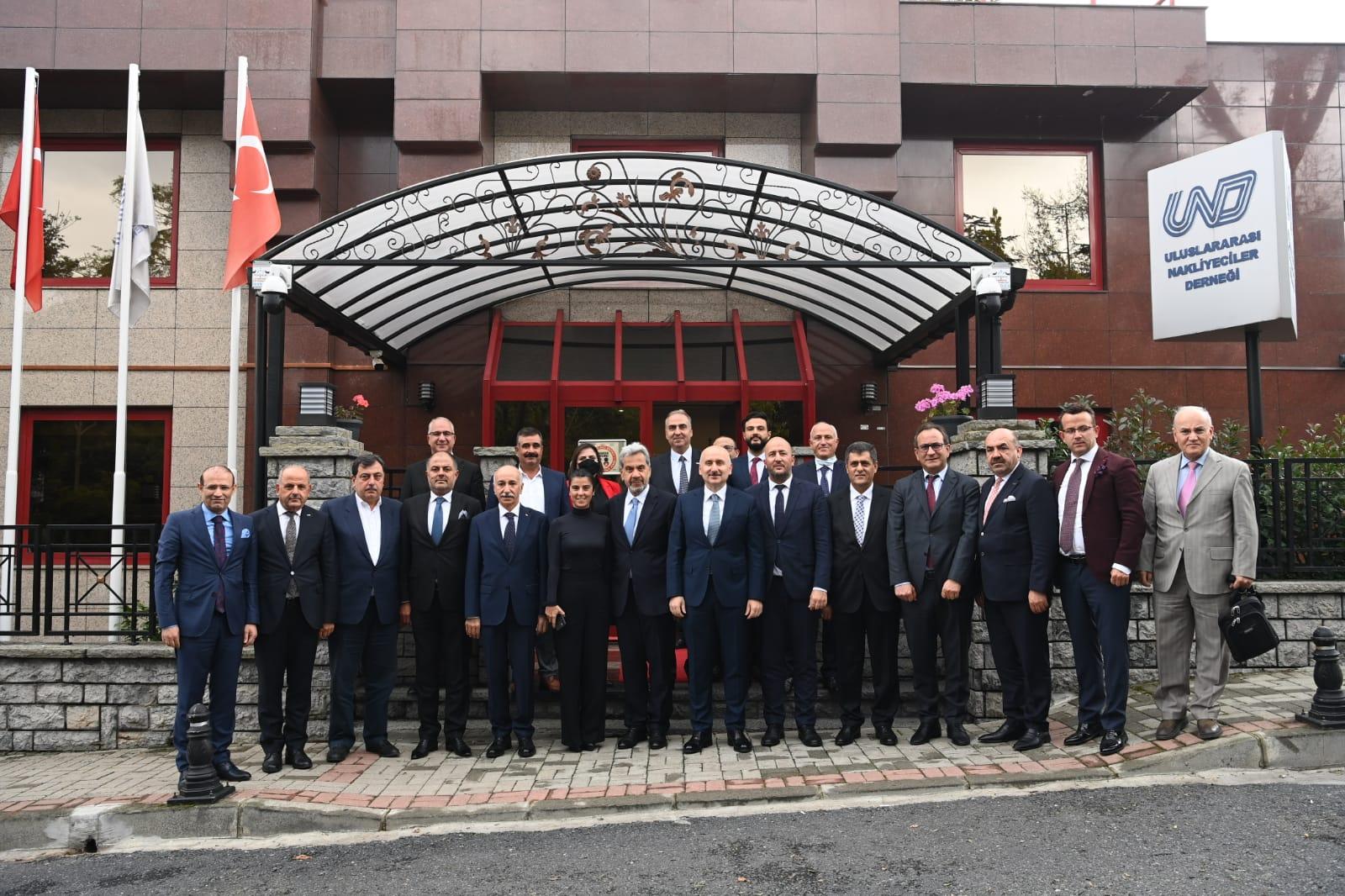 Ulaştırma ve Altyapı Bakanı Sayın Adil Karaismailoğlu UND'ye Çalışma Ziyaretinde Bulundu